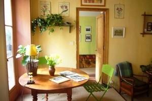 Livingroomapartmentparismontmartres